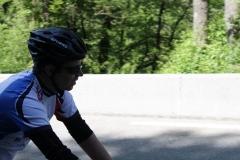 Alpe-dHuzez-092-Tim-fietst-langs