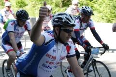 Alpe-dHuzez-098-Mark-fietst-langs