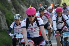 Alpe-dHuzez-117-Met-roze-helm-en-gele-vis
