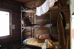 014-Stapelbed-in-barak
