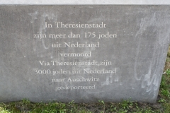 032-Theresienstadtmonument