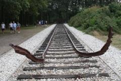 051b-Nationaal-Monument-met-rails-door-Ralph-Prins
