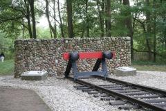 053-Nationaal-Monument-met-rails-door-Ralph-Prins-detail