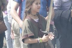 107-Middeleeuws-meisje-met-zwaard