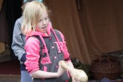 73-Meisjes-proberen-te-jongleren