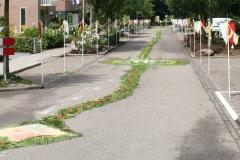 Margraten-005-Straat-versierd-met-processievaantjes