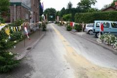 Margraten-021-Straat-versierd-met-processievaantjes