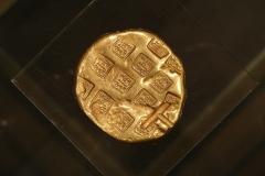 Maaseik-Tentoonstelling-Terracotta-Leger-02-Gouden-Munt