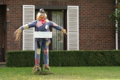 Tuinwijk-Eisden-036-Vogelverschrikker