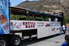 St.-Maarten-0466-Optocht-Vrachtwagen-met-orkest